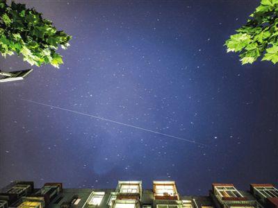 赢咖3官网:中国空间站在头顶掠过如何用镜头永远留下它的倩影(图1)